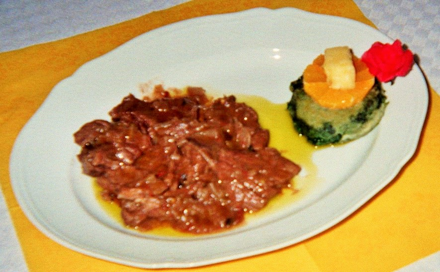 STRACOTTO DI ASINO IN SALSA